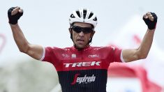 Alberto Contando celebra su victoria en la penúltima etapa de la Vuelta. (AFP)