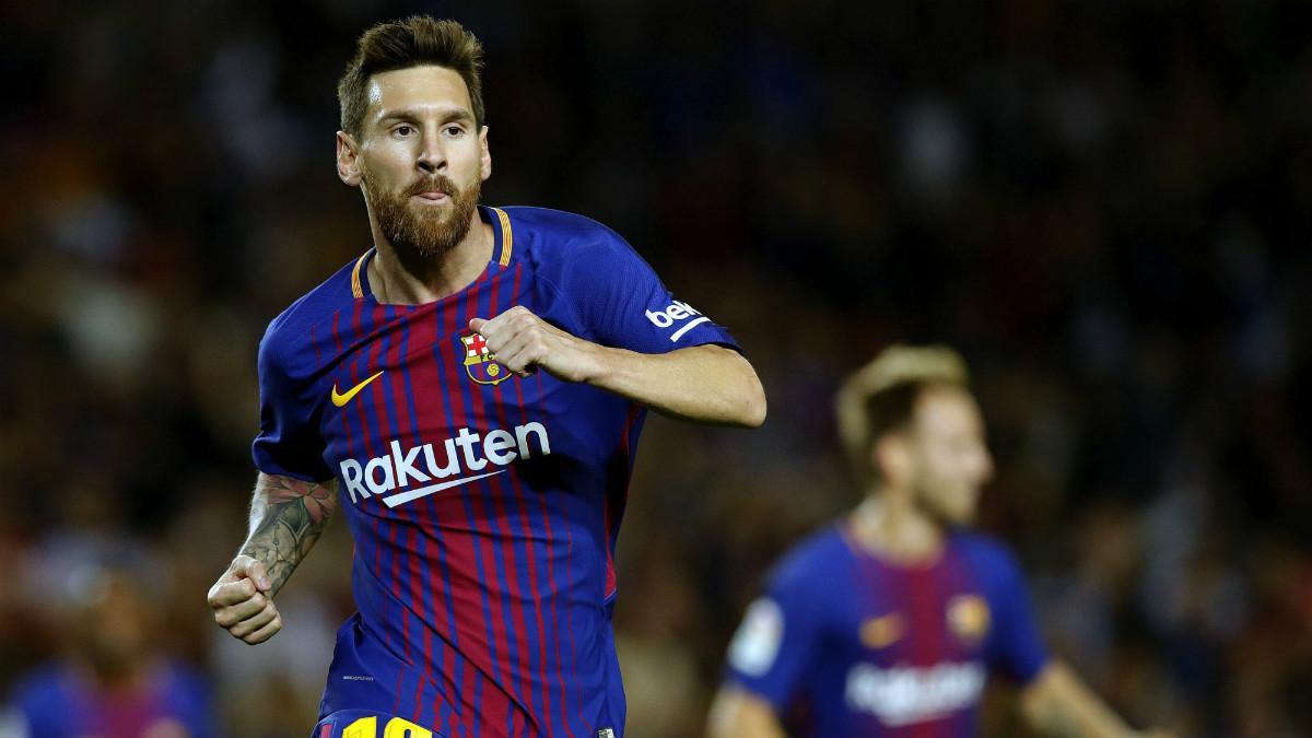 Messi celebra el primer gol del partido que no debió subir al marcador. (EFE)