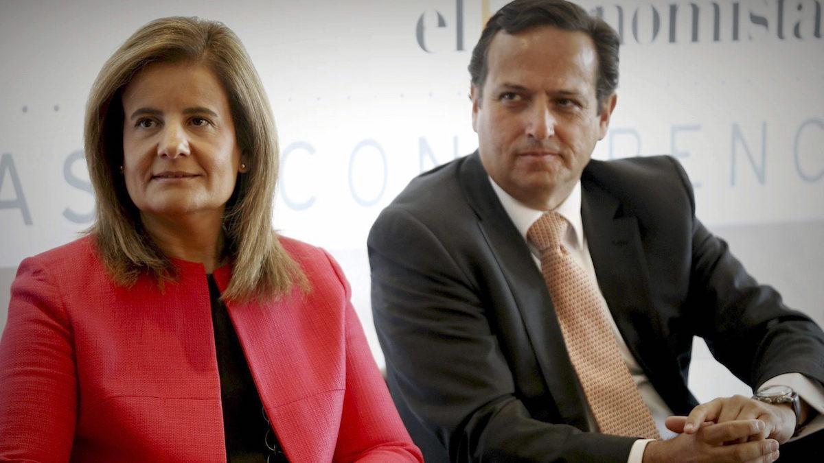 La ministra de Empleo, Fátima Báñez, acompañada del presidente de CEIM, Juan Pablo Lázaro. (foto: EFE)