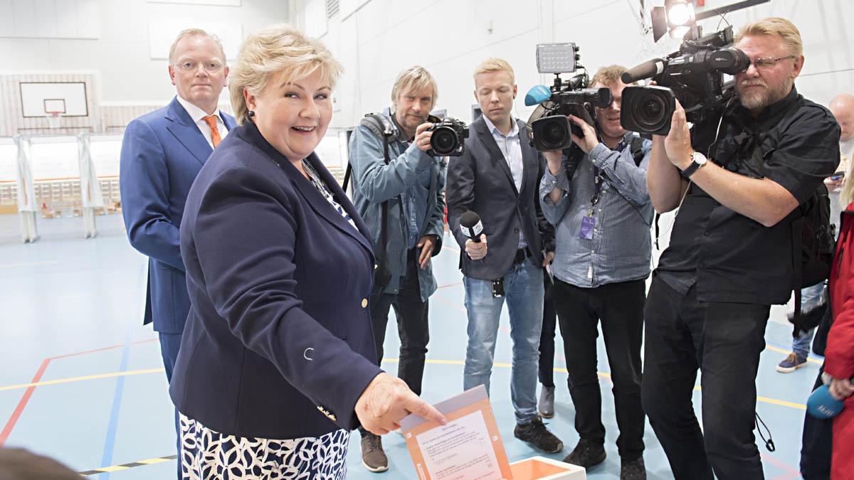 Erna Solberg, candidata del centro-derecha en Noruega (Foto: AFP)