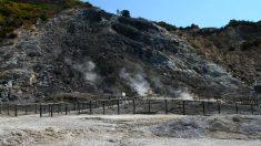 Cráteres de barro hirviendo en Solfatara, al oeste de Nápoles (Italia). (Foto: Justin Ennis/Flickr)