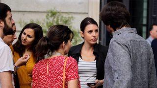 Irene Montero en la puerta del Congreso. (Foto: Francisco Toledo)