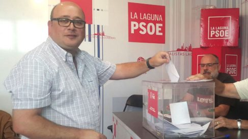 """Zebenzuí González, concejal del PSOE en La Laguna (Tenerife), que presumía de """"follar"""" a sus enchufadas en el Ayuntamiento."""