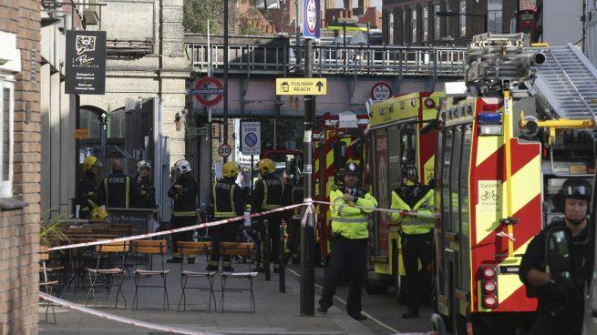 Evacuadas varias viviendas a las afueras de Londres durante una operación policial relacionada con el atentado