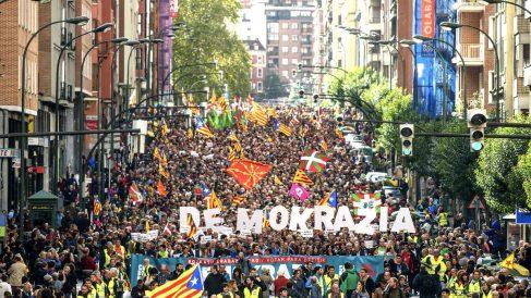 Manifestación en Bilbao a favor del 1-O. (Foto: EFE)