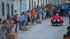Carrera de 'Autos Locos' en Orellana la Vieja