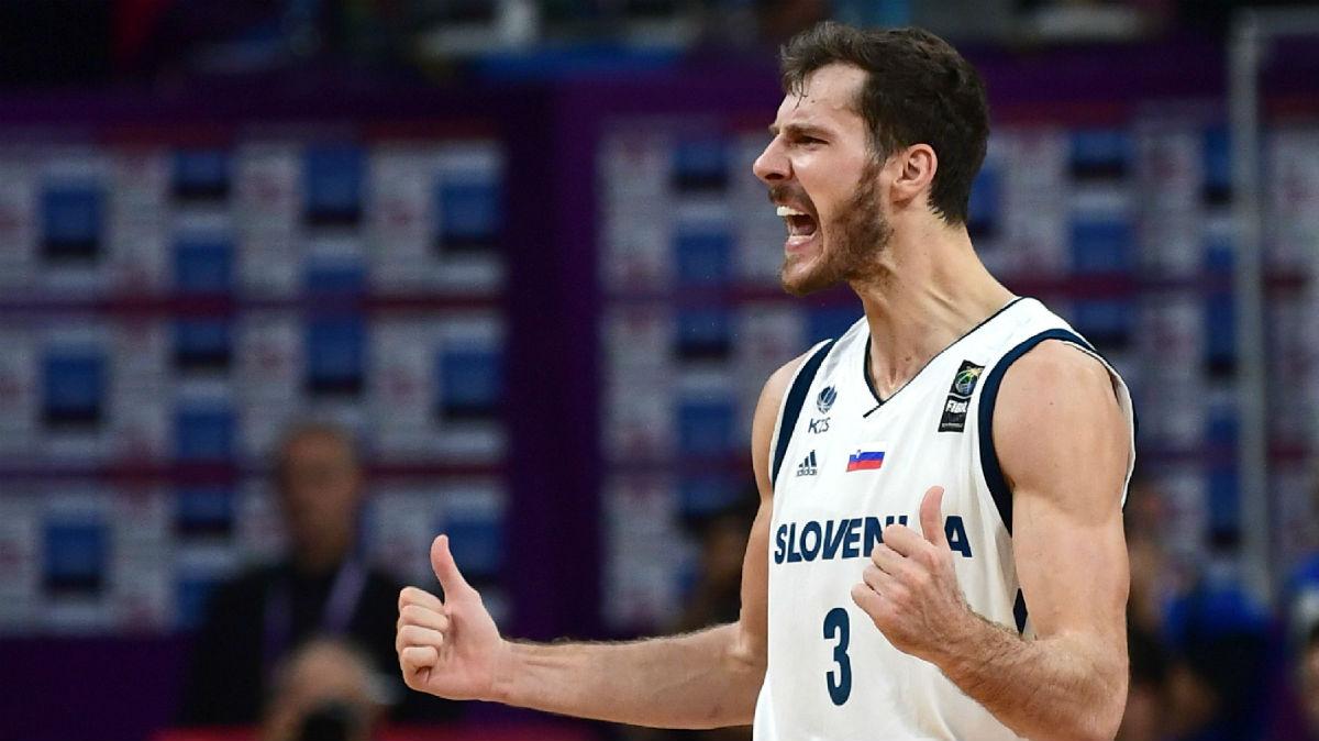 Dragic celebra la victoria de Eslovenia. (Getty)