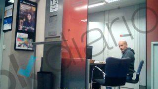 Pere Pujol el pasado viernes, en la sucursal de Caixa Bank situada en la avenida general Mitre de Barcelona.