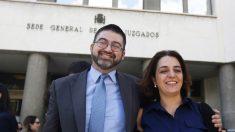Carlos Sánchez Mato y Celia Mayer en los juzgados de Plaza de Castilla. (Foto: EFE)