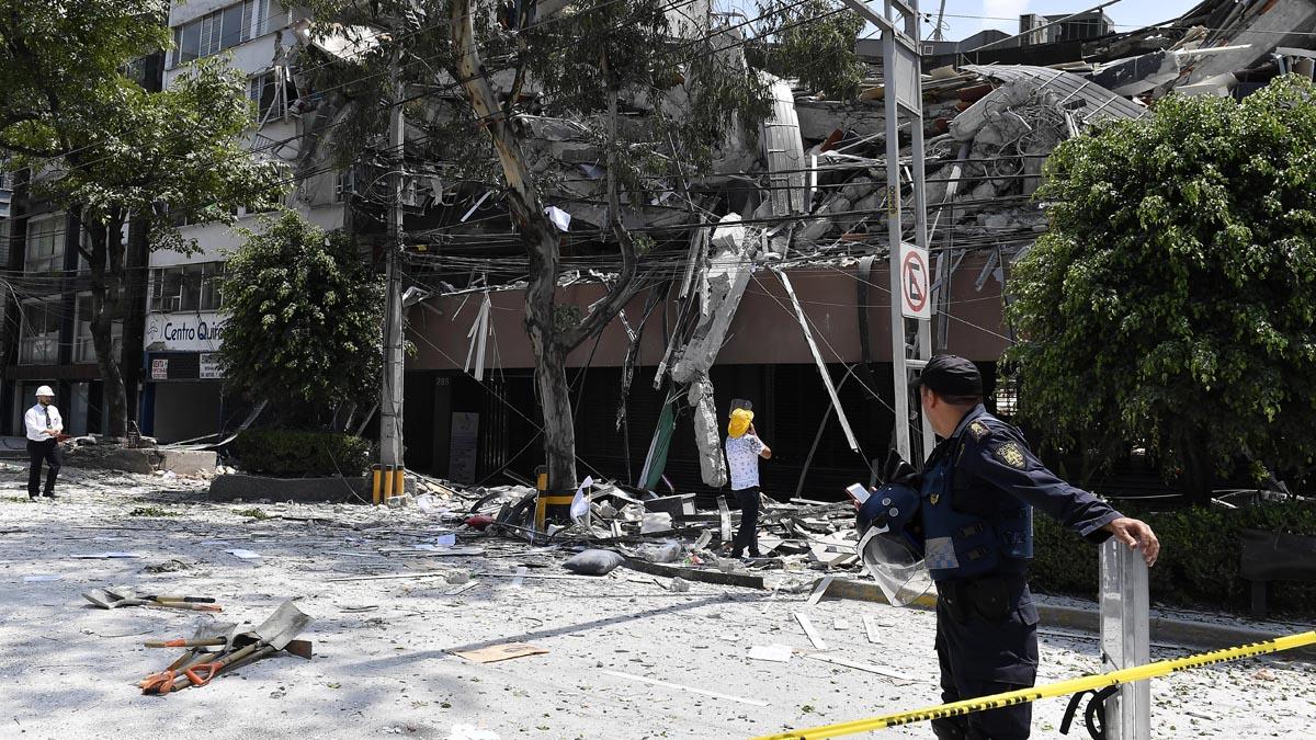 El terremoto se sintió en la ciudad de México (Foto: AFP)