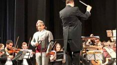 El cantante Nacho del Río Jota Sinfónica