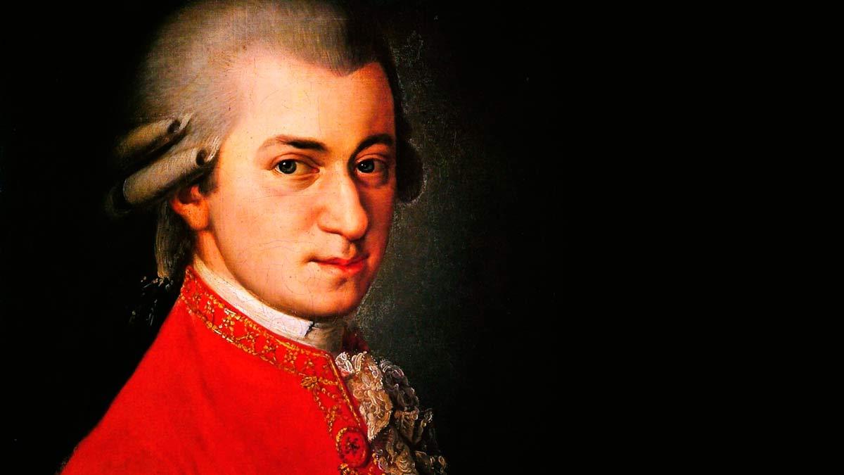 En el clasicismo la música es el pilar fundamental de la cultura.