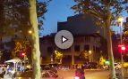 Barcelona amaneció con el himno de España tras la noche de asedio a la Guardia Civil
