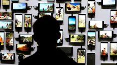 Smartphones – Apple Samsung