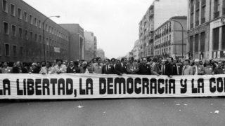 Manifestación contra el golpe de Estado del 23-F, cuatro días después, en Madrid.