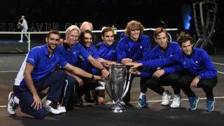 Los miembros del combinado europeo, con el trofeo de la Laver Cup. (AFP)
