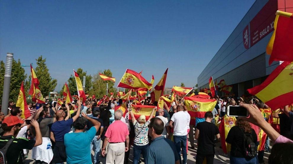 Manifestación contra podemos e Independentistas en Zaragoza