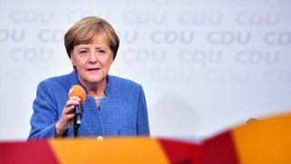 Angela Merkel, en un acto electoral. (Foto: AFP).
