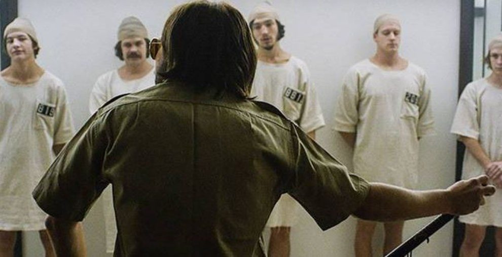 Si te mueves en el mundo de la psicología, tal vez hayas oído hablar del experimento que tuvo lugar en la cárcel de Stanford.