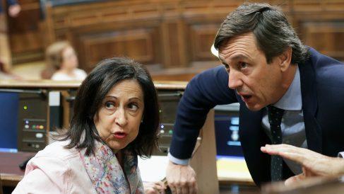 Margarita Robles y Rafael Hernando. (Foto: EFE)