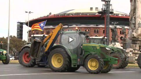 Unos 400 tractores ocupan Barcelona para defender el referéndum ilegal