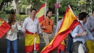 Banderas españolas en Madrid. Foto: FRANCISCO TOLEDO