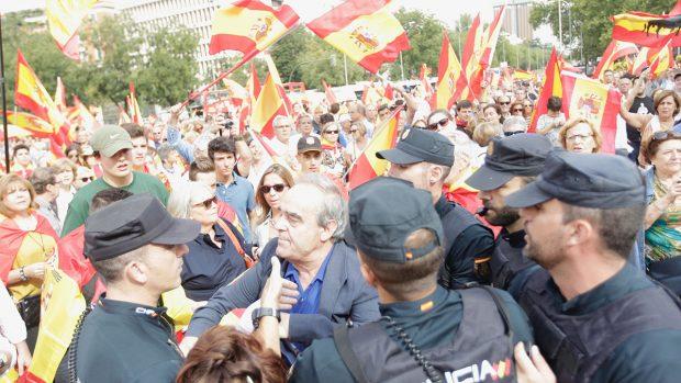Los madrileños salen a la calle para defender la unidad de España. Foto: FRANCISCO TOLEDO