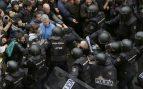 La policía interviene en la calle ante el referéndum ilegal del 1-O