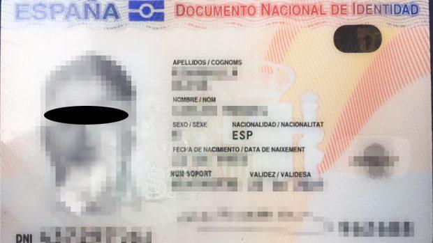 DNI falso utilizado en el referéndum ilegal del 1-O