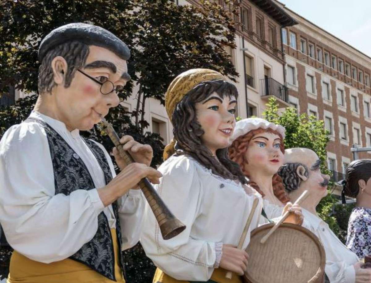 Recorridos de Gigantes y Cabezudos en las Fiestas del Pilar 2017