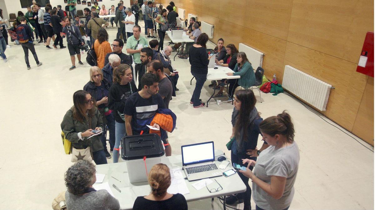 Un colegio del referéndum ilegal en Cataluña.