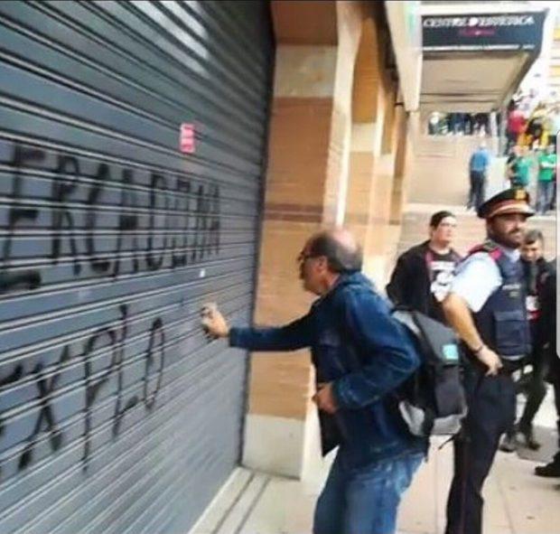 La pasividad de los Mossos permitió a los piquetes actuar a sus anchas en la huelga independentista