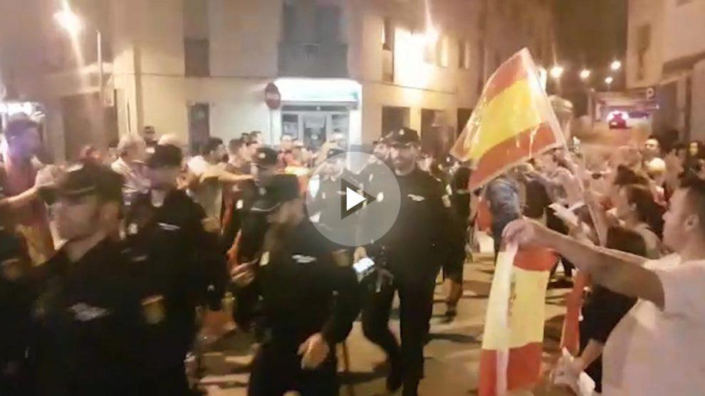 Policías en Pineda