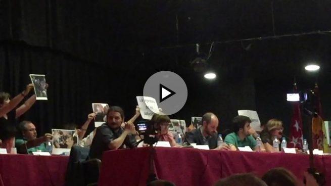 Los podemitas de Carmena convierten los plenos de distrito en soflamas contra la Policía por el 1-O