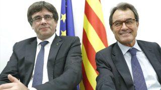 Puigdemont y Artur Mas (Foto: Efe).