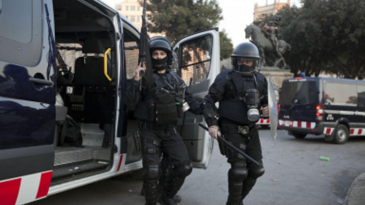 Unidad Antidisturbios BRIMO de los Mossos d ´Esquadra