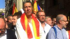 Albiol con la bandera española.