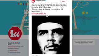 Tuit de IU en el 50 aniversario de la muerte de Ernesto 'Che' Guevara.
