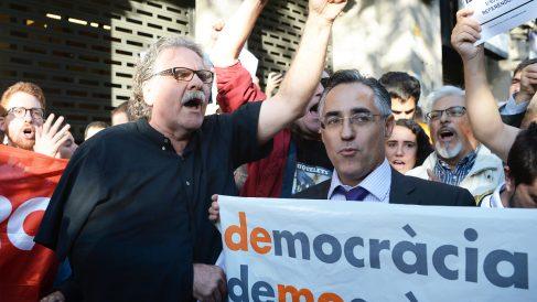 Ramón Tremosa junto a Joan Tardá. (Foto: AFP)