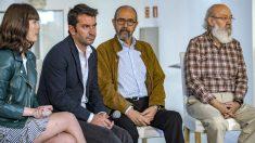 Nerea Camacho, Arturo Valles, Miguel Rellán y el director y guionista de 'Tiempo después', José Luis Cuerda. (EFE)