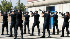 Policía Nacional ejercitándose. (Foto:EFE)