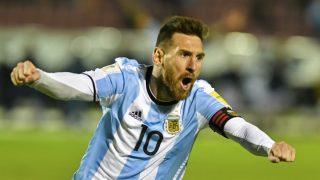 Messi celebra uno de sus goles a Ecuador. (AFP)
