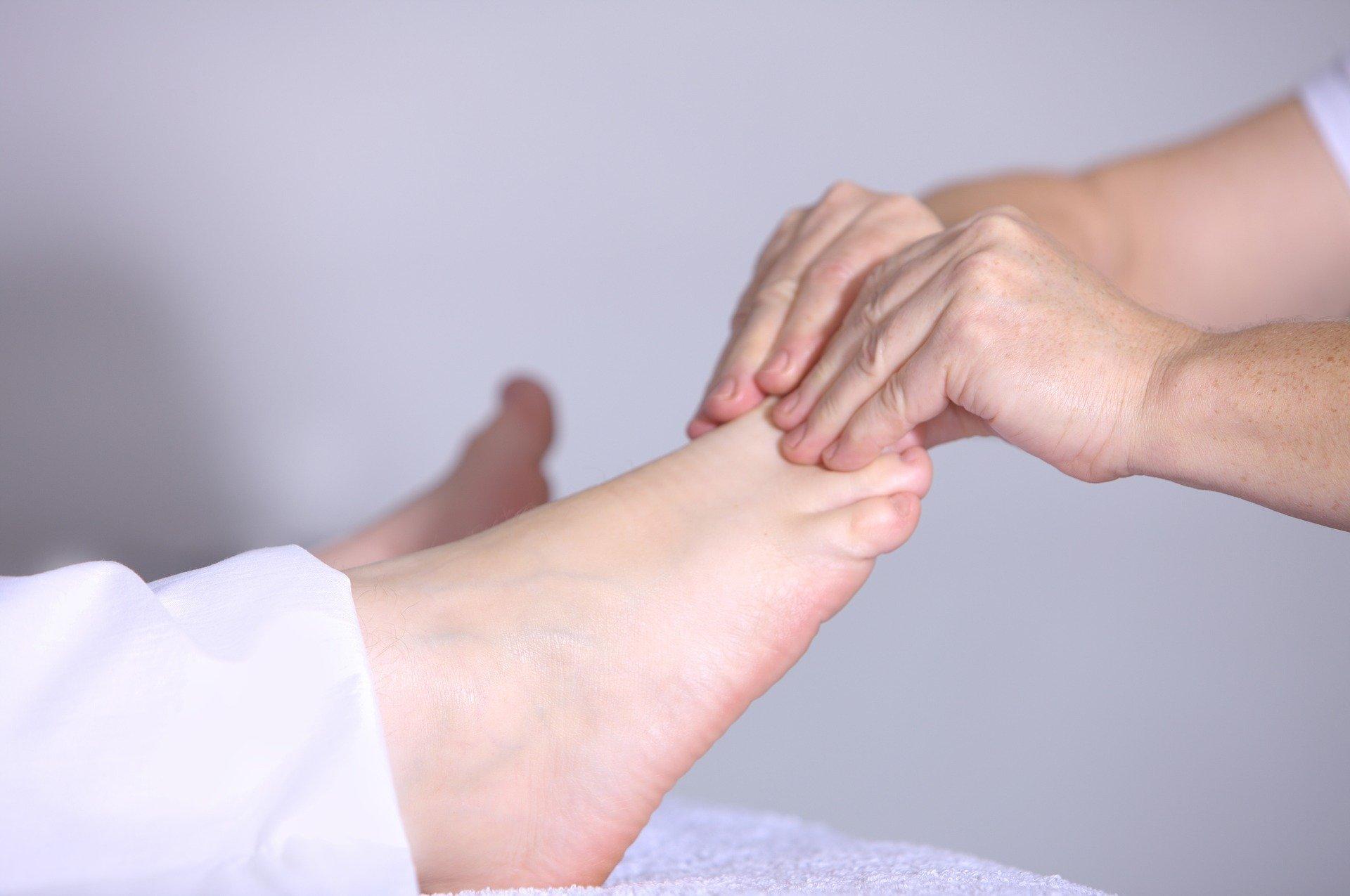 Todo sobre los pies planos: por qué surgen, síntomas y tratamientos