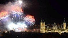 Fuegos artificiales en las Fiestas del Pilar, (Foto: Facebook)