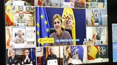 María Dolores de Cospedal en su mensaje a las tropas desplegadas por el mundo con motivo de la Fiesta Nacional. (Foto: Ministerio de Defensa)
