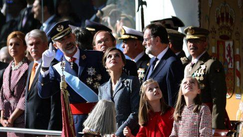 La Familia Real en el desfile militar del 12 de octubre. (EFE)
