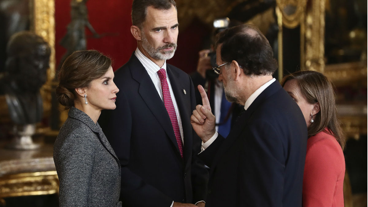 Rajoy, con los Reyes, en la recepción en el Palacio Real.