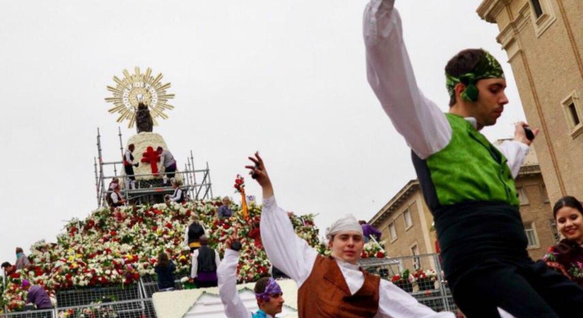 Record de participación en la Ofrenda de Flores de las Fiestas del Pilar 2017