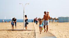 Playa de Las Arenas en Valencia. (Foto: EFE)