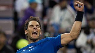 Nadal celebra un juego en las semifinales de Shangái. (AFP)